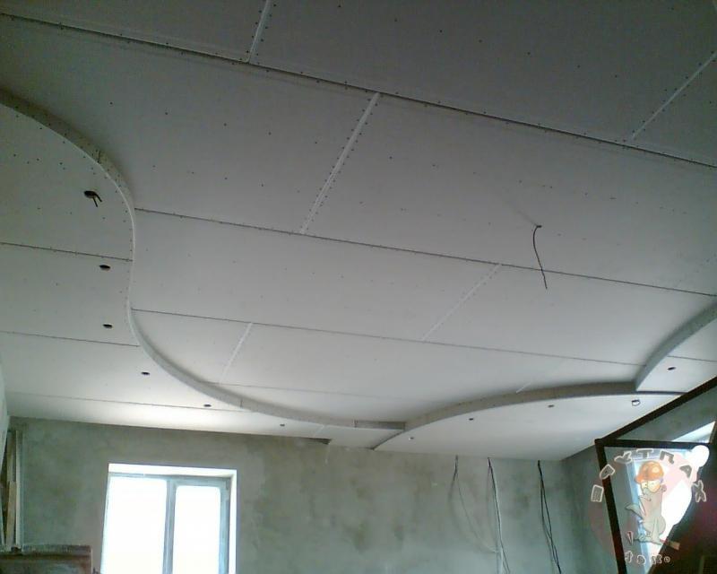 двухуровневый потолок до шпатлевки и покраски